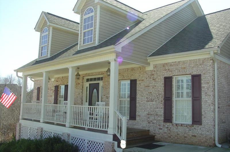 Homes for sale in Flowery Branch, great neighborhoods in north georgia, real estate for sale in Flowery Branch,
